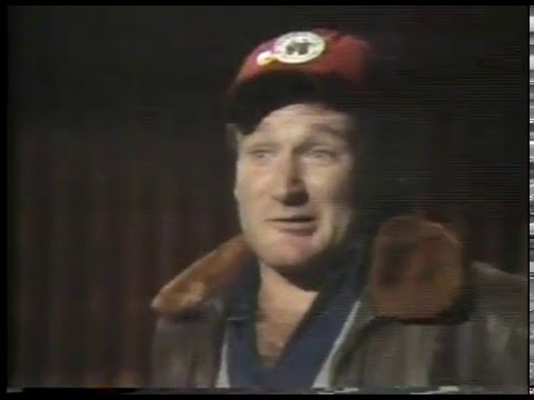 Robin Williams - The Scotish Soldier & Elmer Fudd Sings Springsteen & The Paper Boy imasportsphile